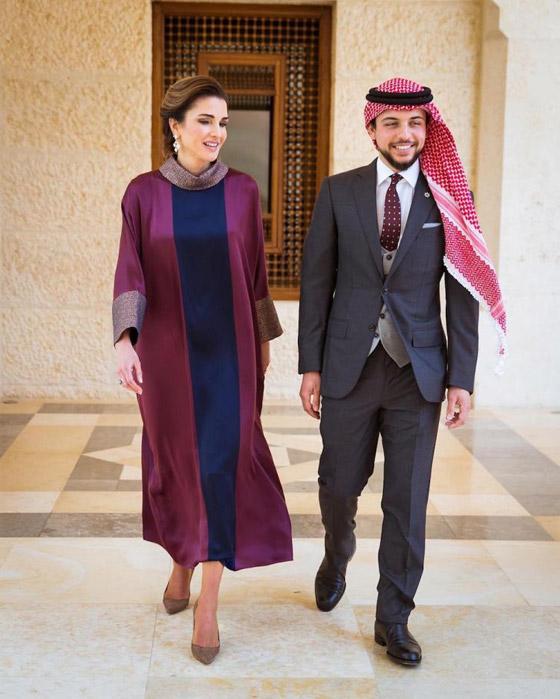 صور الملكة رانيا تتألق بأزياء مصممين عرب لتشجيع الابداع العربي صورة رقم 5