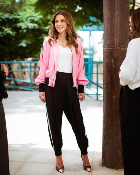 صور الملكة رانيا تتألق بأزياء مصممين عرب لتشجيع الابداع العربي صورة رقم 12