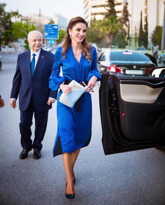 صور الملكة رانيا تتألق بأزياء مصممين عرب لتشجيع الابداع العربي صورة رقم 15
