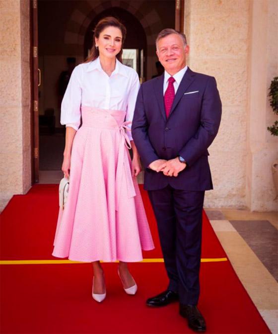 صور الملكة رانيا تتألق بأزياء مصممين عرب لتشجيع الابداع العربي صورة رقم 16