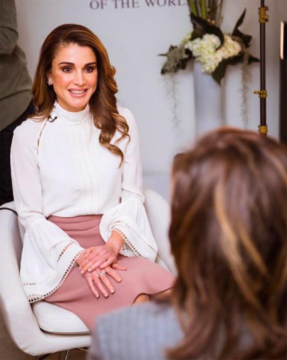 صور الملكة رانيا تتألق بأزياء مصممين عرب لتشجيع الابداع العربي صورة رقم 17