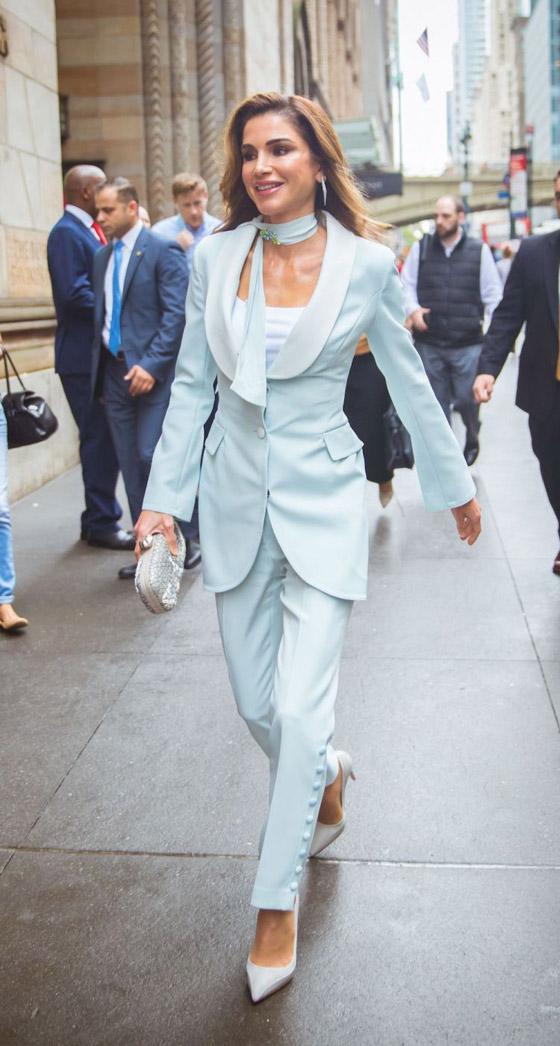 صور الملكة رانيا تتألق بأزياء مصممين عرب لتشجيع الابداع العربي صورة رقم 21