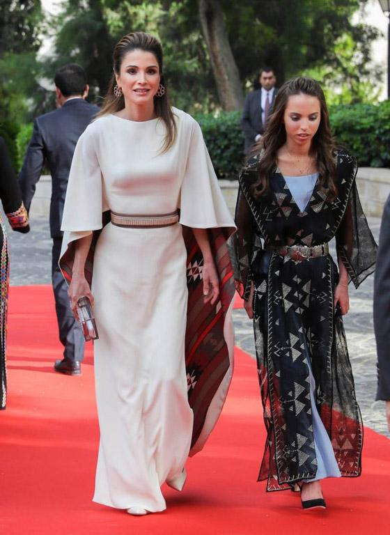 صور الملكة رانيا تتألق بأزياء مصممين عرب لتشجيع الابداع العربي صورة رقم 22