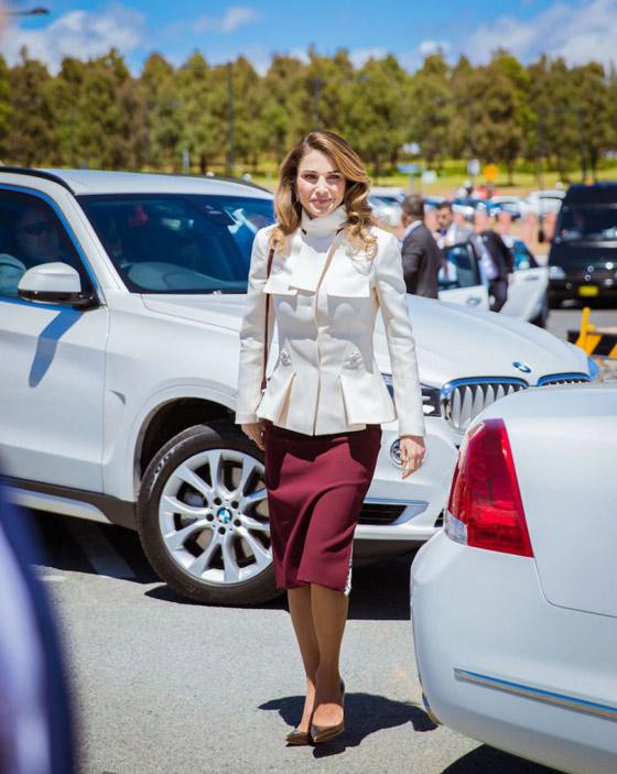 صور الملكة رانيا تتألق بأزياء مصممين عرب لتشجيع الابداع العربي صورة رقم 26
