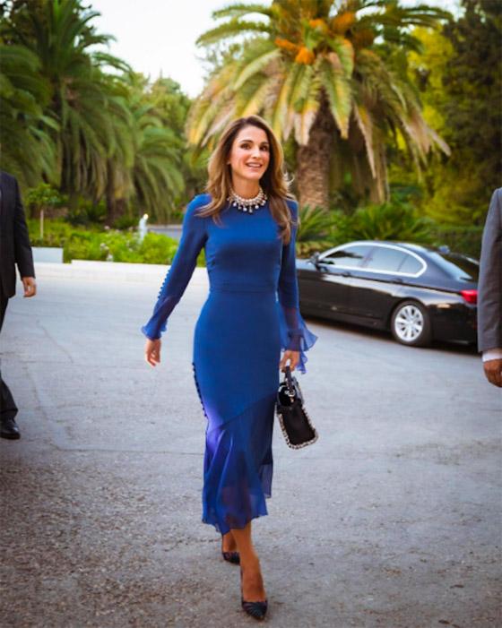 صور الملكة رانيا تتألق بأزياء مصممين عرب لتشجيع الابداع العربي صورة رقم 28