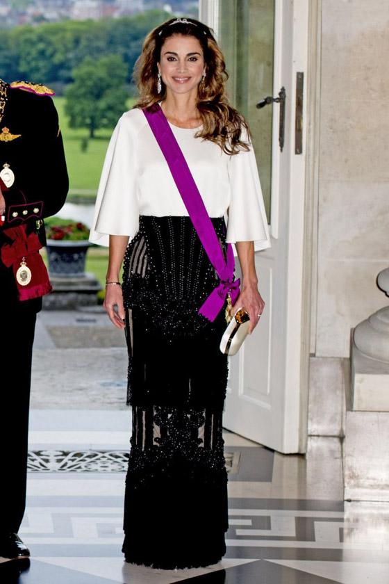 صور الملكة رانيا تتألق بأزياء مصممين عرب لتشجيع الابداع العربي صورة رقم 43