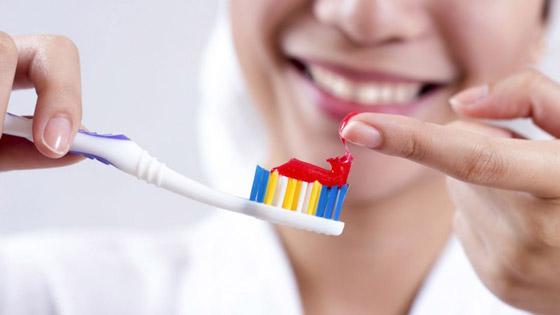 صورة رقم 5 - 10 طرق لاستخدام معجون الأسنان لتعزيز جمال المرأة