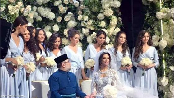 بعد خسارة عرش.. أنباء عن طلاق الملك الماليزي السابق من زوجته الروسية صورة رقم 1