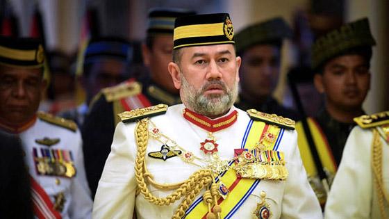 بعد خسارة عرش.. أنباء عن طلاق الملك الماليزي السابق من زوجته الروسية صورة رقم 7
