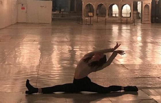 صورة رقم 1 -  صورة راقصة باليه في متحف آيا صوفيا  تثير الغضب في تركيا
