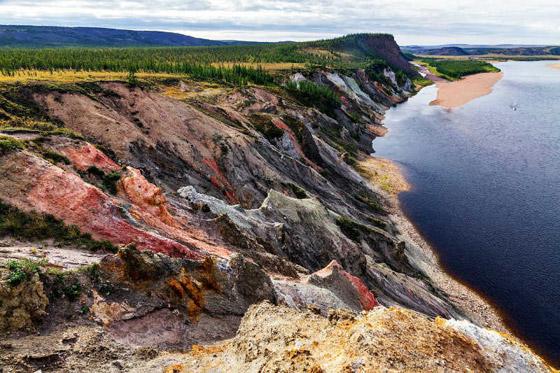 صور: أعمق 10 حفر في العالم ناتجة عن ارتطام النيازك بسطح الأرض صورة رقم 8
