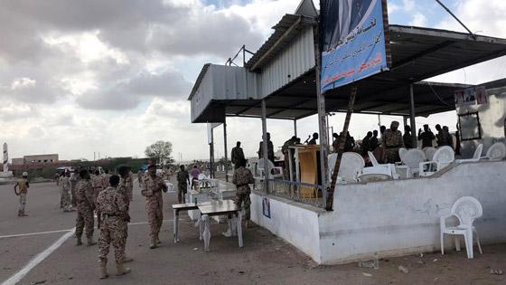 مقتل 6 جنود وإصابة قياديين في هجوم على العرض العسكري في لحج! فيديو صورة رقم 8