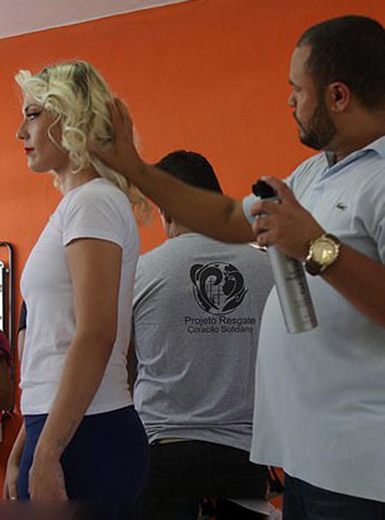 ملكة جمال السجون.. قاتلة برازيلية تحافظ على براءتها وأنوثتها! صورة رقم 10