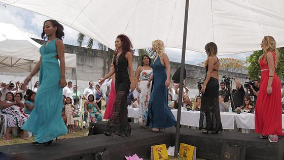 ملكة جمال السجون.. قاتلة برازيلية تحافظ على براءتها وأنوثتها! صورة رقم 13