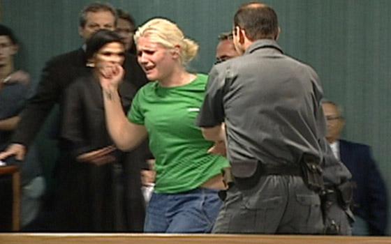 ملكة جمال السجون.. قاتلة برازيلية تحافظ على براءتها وأنوثتها! صورة رقم 6