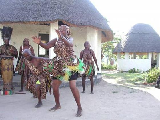بالصور.. تعرفوا على أغرب تقاليد زواج شعوب أفريقيا صورة رقم 9