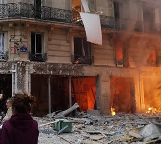 جرحى بانفجار قرب كاتدرائية القلب المقدس في العاصمة الفرنسية صورة رقم 3