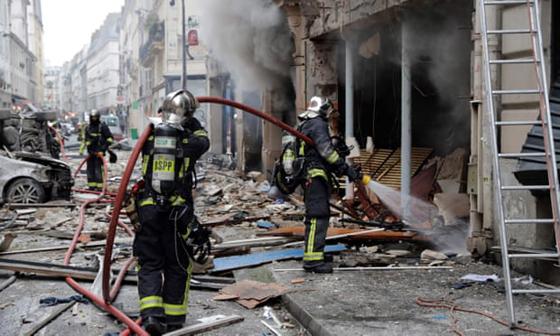جرحى بانفجار قرب كاتدرائية القلب المقدس في العاصمة الفرنسية صورة رقم 13