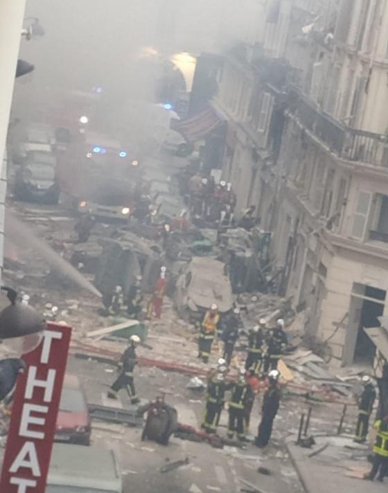 جرحى بانفجار قرب كاتدرائية القلب المقدس في العاصمة الفرنسية صورة رقم 15