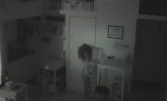 قصص أشخاص عاشوا سراً داخل منازل أناس آخرين صورة رقم 1