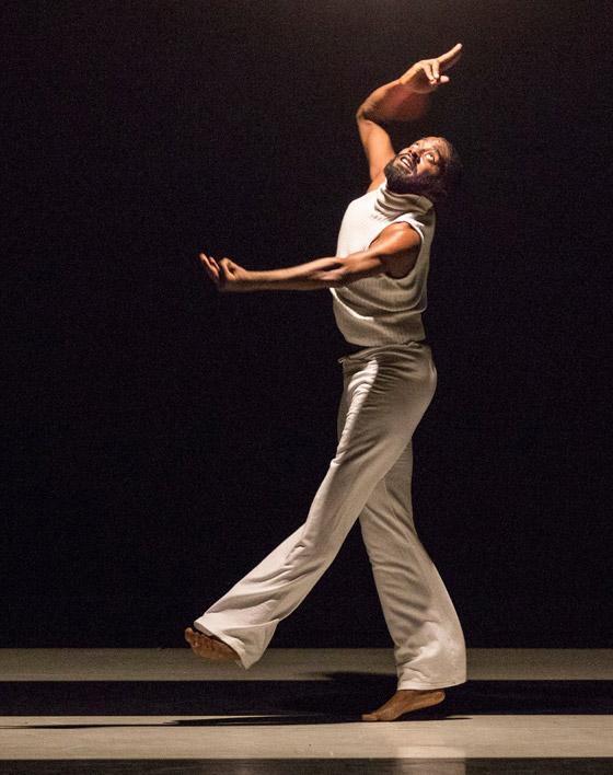 صورة رقم 10 - تعرفوا على الراقص المحترف الذي يتحدى بحركاته الشلل الدماغي النصفي