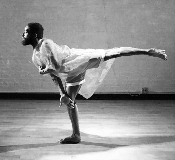 صورة رقم 13 - تعرفوا على الراقص المحترف الذي يتحدى بحركاته الشلل الدماغي النصفي