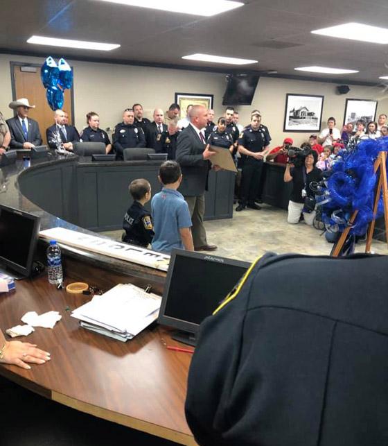 فيديو مؤثر.. شرطة تكساس الأمريكية تحقق أمنية طفلة مصابة بالسرطان صورة رقم 18