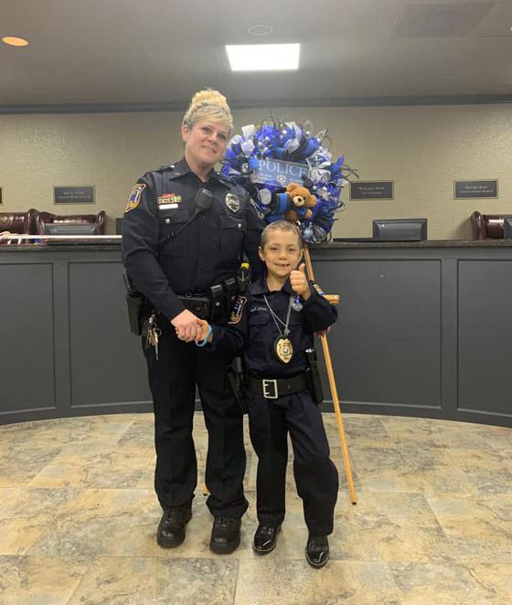 فيديو مؤثر.. شرطة تكساس الأمريكية تحقق أمنية طفلة مصابة بالسرطان صورة رقم 19