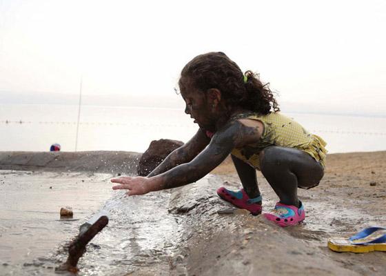 10 فوائد مدهشة لطين البحر الميت.. تعرفوا اليها صورة رقم 6