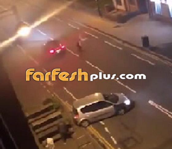 فيديو جنوني: سائق غاضب يصدم سيارة أخرى عمدا ويدهس السائق الهارب!  صورة رقم 4