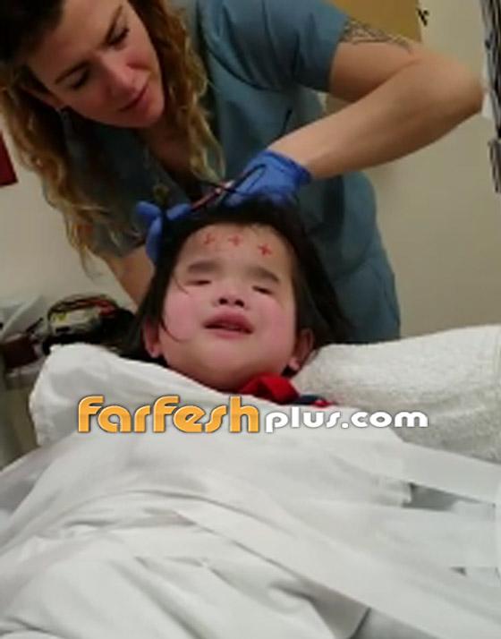 صورة رقم 1 - فيديو مؤثر.. طفلة ضريرة تهدئ نفسها بالغناء أثناء خضوعها لعملية طبية!