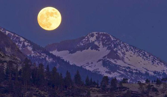 إليكم أبرز الأساطير والمعتقدات والحكايا القديمة عن ليلة اكتمال القمر صورة رقم 10