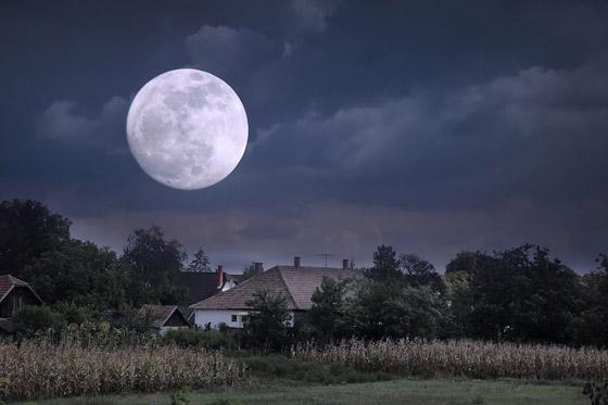 إليكم أبرز الأساطير والمعتقدات والحكايا القديمة عن ليلة اكتمال القمر صورة رقم 12