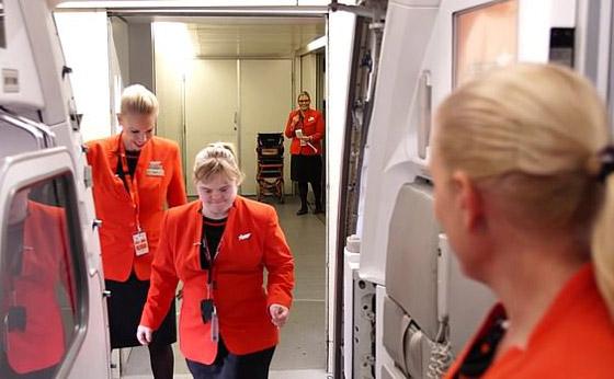 صورة رقم 4 - فييو مؤثر.. فتاة مصابة بمتلازمة داون تحقق حلمها وتصبح مضيفة طيران!