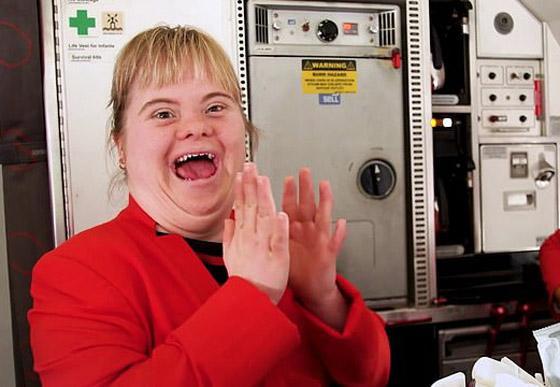 صورة رقم 6 - فييو مؤثر.. فتاة مصابة بمتلازمة داون تحقق حلمها وتصبح مضيفة طيران!