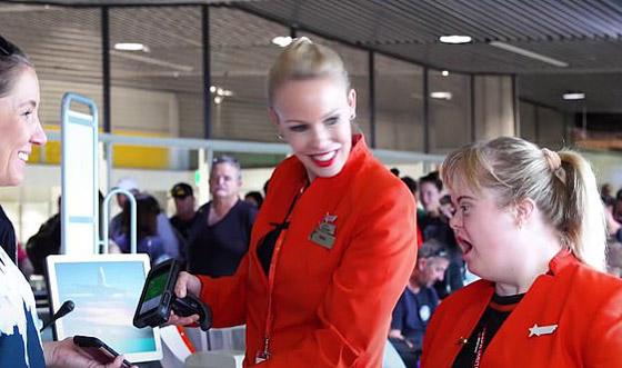 صورة رقم 9 - فييو مؤثر.. فتاة مصابة بمتلازمة داون تحقق حلمها وتصبح مضيفة طيران!