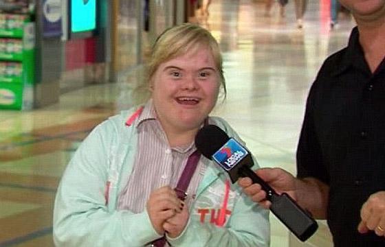صورة رقم 12 - فييو مؤثر.. فتاة مصابة بمتلازمة داون تحقق حلمها وتصبح مضيفة طيران!
