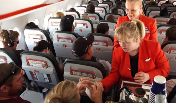 صورة رقم 15 - فييو مؤثر.. فتاة مصابة بمتلازمة داون تحقق حلمها وتصبح مضيفة طيران!