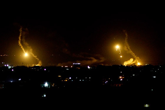 إسرائيل تنشر صورا فضائية لضرب مواقع إيرانية بسوريا صورة رقم 2