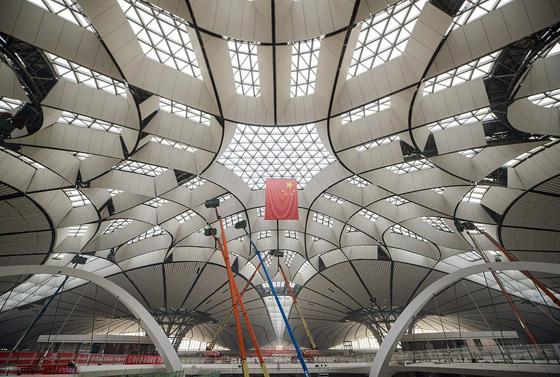 الصين تبني وتعتزم افتتاح أكبر مطار في العالم بمساحة مليون متر مربع صورة رقم 3