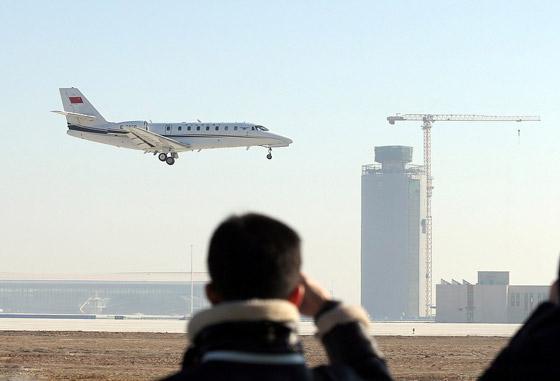 الصين تبني وتعتزم افتتاح أكبر مطار في العالم بمساحة مليون متر مربع صورة رقم 4