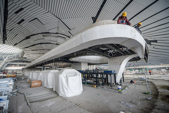 الصين تبني وتعتزم افتتاح أكبر مطار في العالم بمساحة مليون متر مربع صورة رقم 5