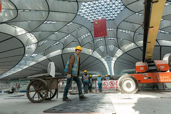الصين تبني وتعتزم افتتاح أكبر مطار في العالم بمساحة مليون متر مربع صورة رقم 6
