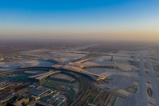 الصين تبني وتعتزم افتتاح أكبر مطار في العالم بمساحة مليون متر مربع صورة رقم 7