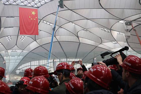 الصين تبني وتعتزم افتتاح أكبر مطار في العالم بمساحة مليون متر مربع صورة رقم 13