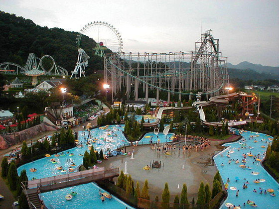ديزني لاند طوكيو: المدينة السحرية تحتفل بذكرى الـ36 لافتتاحها صورة رقم 2