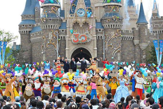 ديزني لاند طوكيو: المدينة السحرية تحتفل بذكرى الـ36 لافتتاحها صورة رقم 9