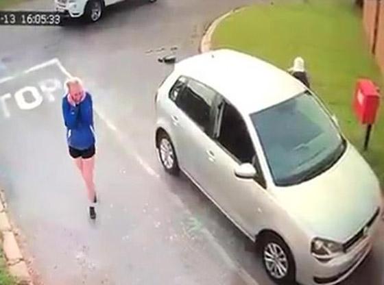 لحظات مخيفة عاشتها سائحة بعد هجوم لصان عليها وسرقة سيارتها! صورة رقم 4