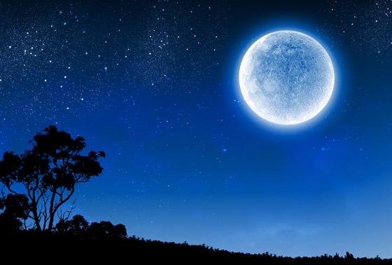 ظاهرة فلكية مثيرة يوم السبت: ترقّبوا القمر الأزرق الكامل صورة رقم 5