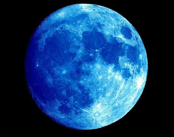 ظاهرة فلكية مثيرة يوم السبت: ترقّبوا القمر الأزرق الكامل صورة رقم 1